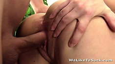 She works his dick like a slutty pornstar and gets the creamy treat