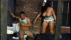 Prison nurse Gianna gives her own cure by torturing the inmate