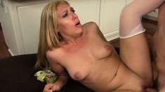 Lustful blonde cougar reaches her climax while getting pounded rough