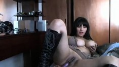Milf Has 2 Great Orgasms On Webcam With Her Favorite Toys