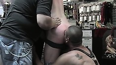 Homo guy does incredible oral work to get the taste of warm jizz