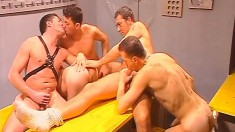 Gay orgy with five guys eating dick, slamming ass and jacking off
