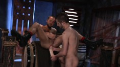 Enchanting gay hunk fists the hell out of his boyfriend's juicy butt