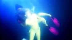 Deep Underwater Blowjob!